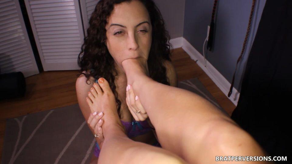 Lesbian Bound Feet Licking